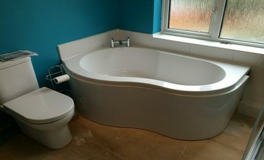 bath store fitted suite